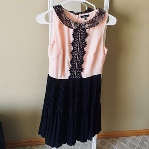 Monteau pink black lace pleated dress small